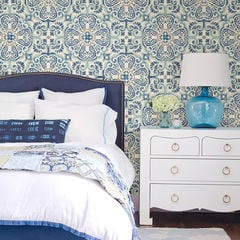 貼ってはがせるシール壁紙 Nu Wallpaper Blue Florentine Tile Peel and Stick Wallpaper / NU2235 (NUS2235)